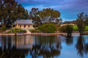 Stonewell Cottages and Vineyards - Tourism Gold Coast